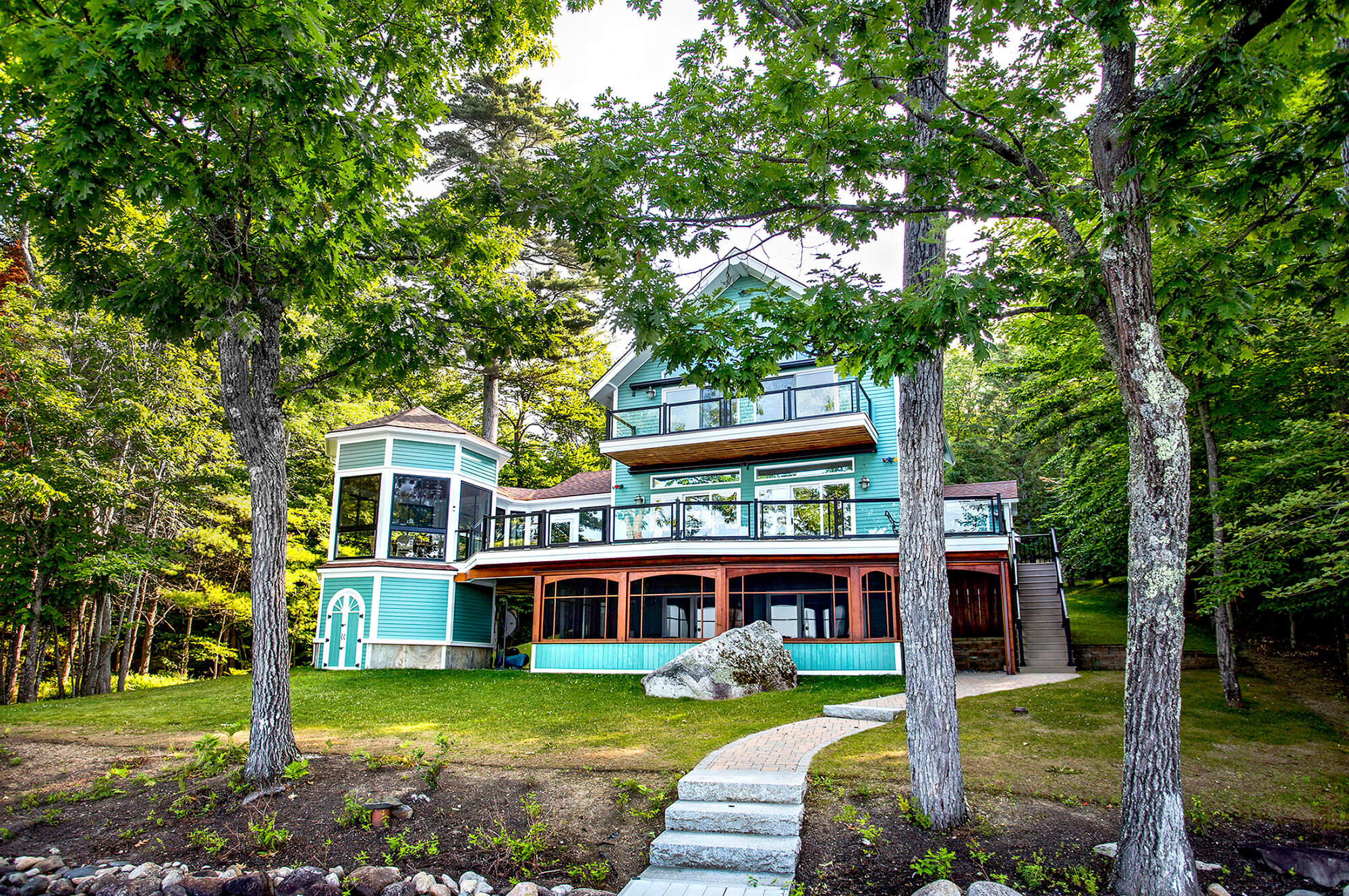 Architectural Photography, exterior view of a lake front home in rural Maine